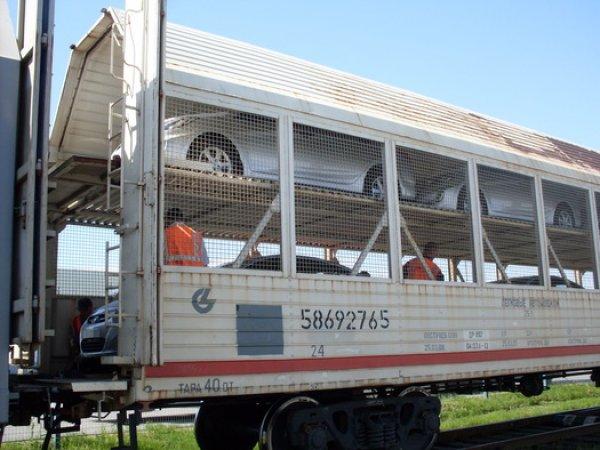 Устройство вагонов-сеток для перевозки легковых автомобилей